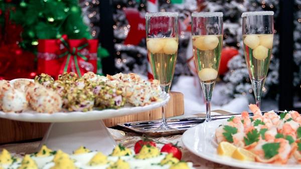 Thực đơn đồ ăn tiệc cocktail