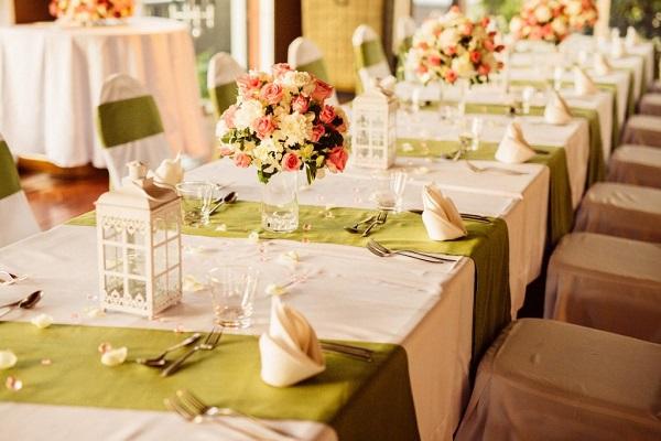Bàn tiệc đám cưới