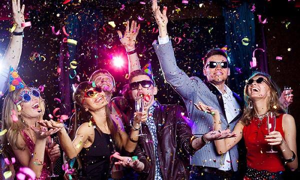 Tiệc liên hoan cuối năm