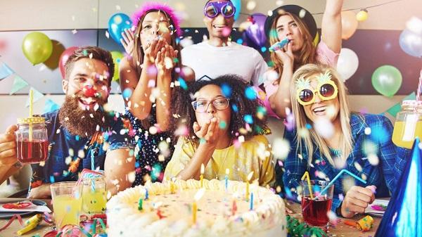 Tiệc thôi nôi sinh nhật